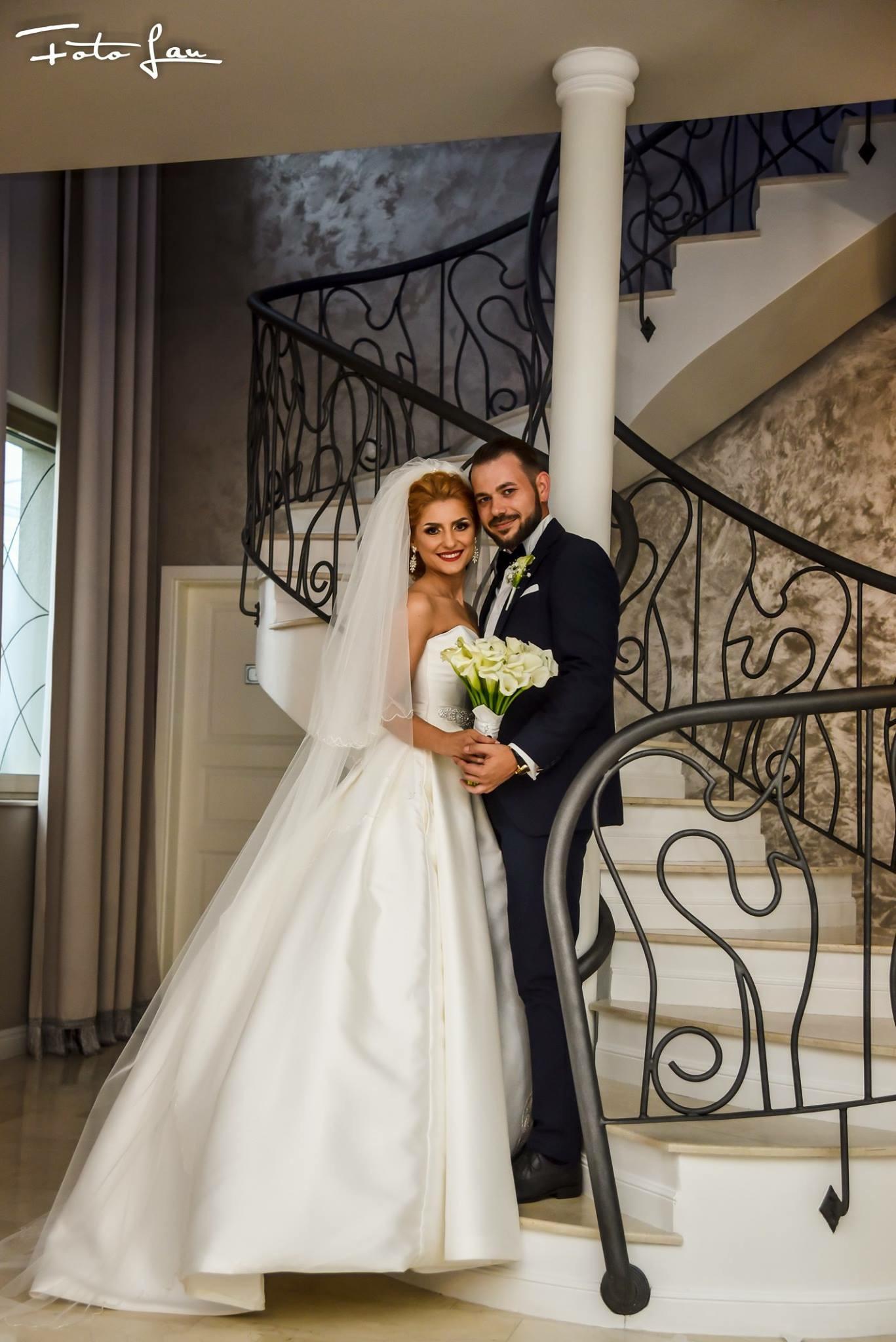 Rochii de mireasa Anne's Bridal